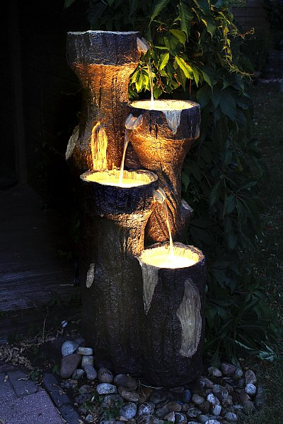 gartenbrunnen baumstamm 120 cm mit led beleuchtung. Black Bedroom Furniture Sets. Home Design Ideas