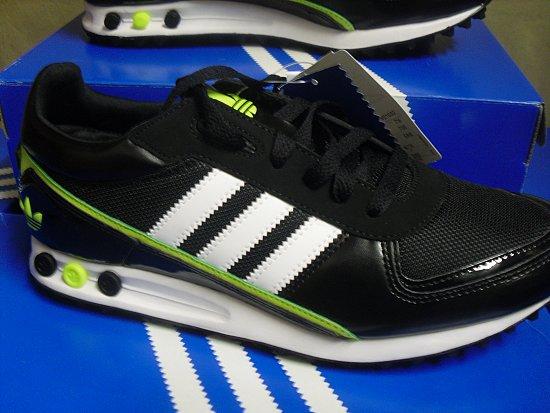 adidas la trainer ii big logo v21032 sneakers schuhe neu. Black Bedroom Furniture Sets. Home Design Ideas