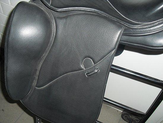 otto schumacher dynamic pro dressur sattel 2 17 zoll 14 tage r ckgaberecht ebay. Black Bedroom Furniture Sets. Home Design Ideas
