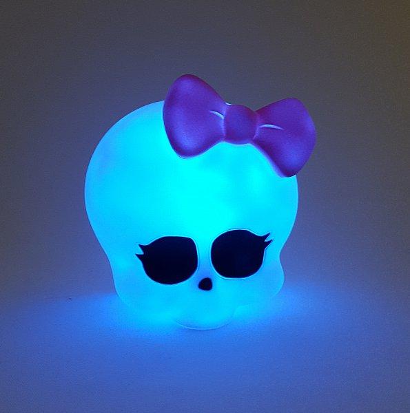 monster high led 3d lampe kinderzimmer tischlampe mit farbwechsel 172p051 ebay. Black Bedroom Furniture Sets. Home Design Ideas