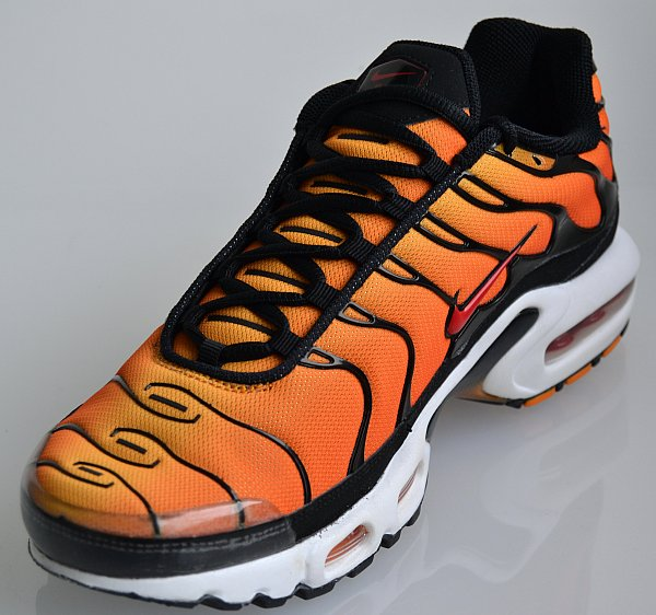 nike air max plus tn orange