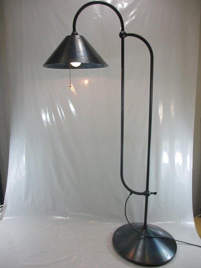 gunther lambert stehlampe toby industrie design vollmetall feuerpatiniert ebay. Black Bedroom Furniture Sets. Home Design Ideas