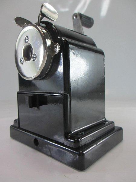 asw modell art deco bleistiftanspitzer schwarzes bakelit kurbel anspitzer ebay. Black Bedroom Furniture Sets. Home Design Ideas