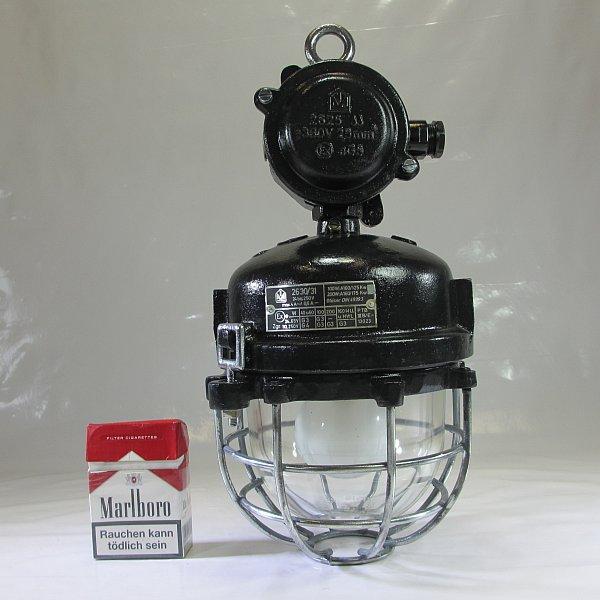 6kg schutzgitter glaskolben lampe metall ex bunkerlampe. Black Bedroom Furniture Sets. Home Design Ideas