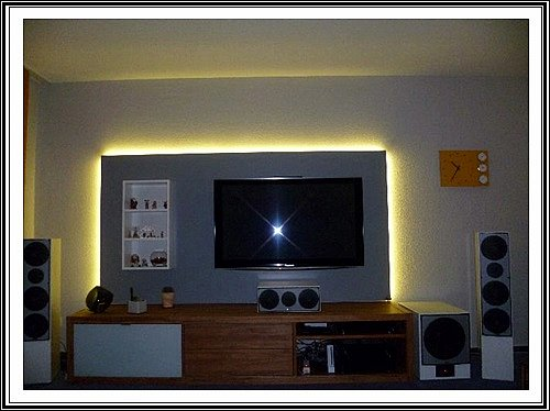 fernsehwand led die neuesten innenarchitekturideen. Black Bedroom Furniture Sets. Home Design Ideas