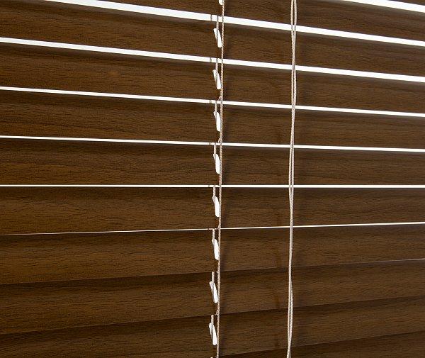 alu jalousie aluminium rollo jalousien schalosien. Black Bedroom Furniture Sets. Home Design Ideas